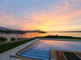 Almyra architect Villa sleeps 6 Heated PoolPanoramic views  beach at doorsteps