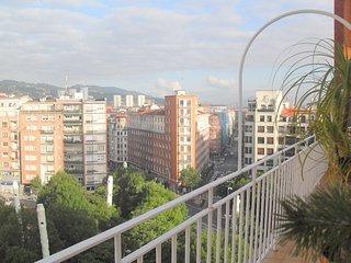 Bilbao centro. Abando. Habitación con terraza y vistas.  Desayuno incluido