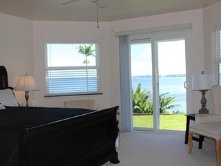 Oceanfront Hilo Honolii Bay Bed and Breakfast Sleeps 2 (Shared bathroom) #2