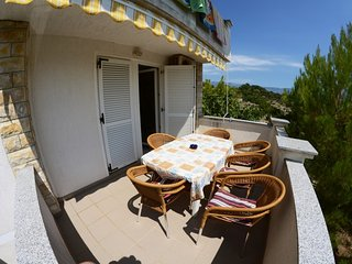 Cozy fully equipped apartment #3 with cool balcony /Closest house to party beach