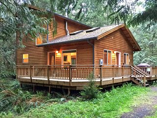 Mt Baker Rim Cabin #64 - It`s time to get away to this, Newer 2 bedroom cabin!