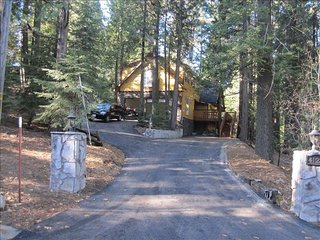 Fabulous 2-Family Mountain Vacation Home Near Shaver Lake