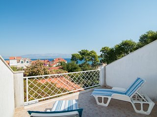 Apartments Dvori - Duplex Two-bedroom Apartment with Terrace and Sea View