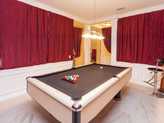 Large Condo w/ POOL TABLE [CDC COMPLIANT] | 2003