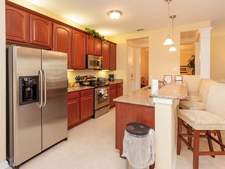 Modern Bargains - Vista Cay Resort - Feature Packed Cozy 2 Beds 2 Baths Condo