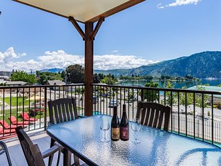 Luxury condo w/ lake, hot tub, & infinity pool at your fingertips!, Manson