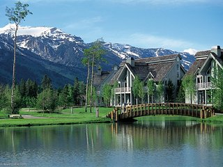 Jackson Hole Luxury Condo, on 18th green of Teton Pines