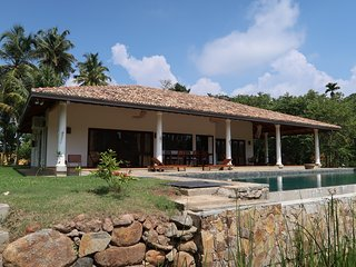 FireMoonGarden- Luxury Villa with Swimming Pool, Mirissa