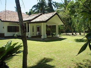 Villa Kathaluwa ( Room - Olu )