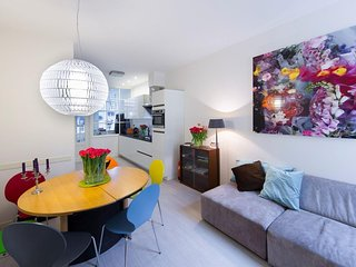 Spacious Kings Residence apartment in Canal Belt with WiFi., Amsterdam