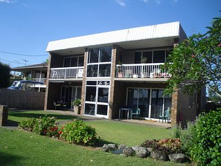 Renovated Ground Floor Apartment - 2/145 Sylvan Beach Esp, Bribie Island