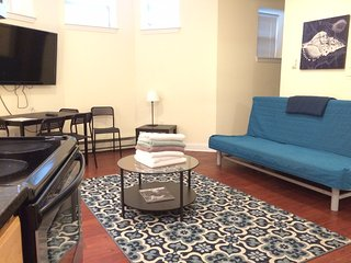 2 bedroom unit close to Fenway Park, Boston