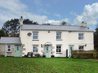 LONGVIEW COTTAGE, cosy cottage, WiFi, pet-friendly, in Penwithick near St Austell, Ref 946405