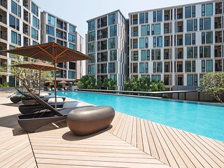 THE BASE Uptown By Favstay   1 Bedroom - City View