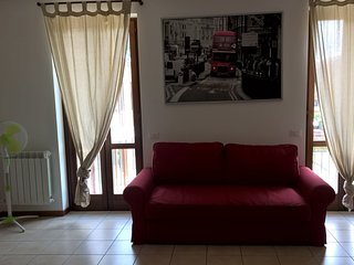 27 Lake Garda Salo' 2 kms,  apartment with garage wifi 6 sleep