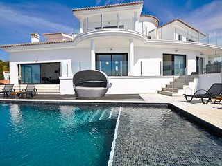 5 Star Villa for rent, Salobrena