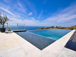 5 Star Villa for rent