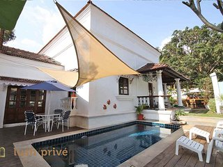 River View Luxury Pool Villa / 3 Double Bedrooms