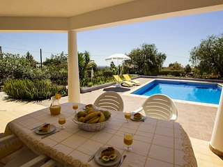 Vila Tropical - Fantastica moradia com piscina privada e campo de tenis