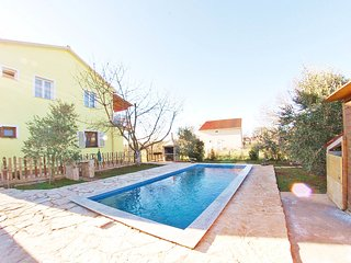 "Holiday family apartment with private pool ""ARMIN"""