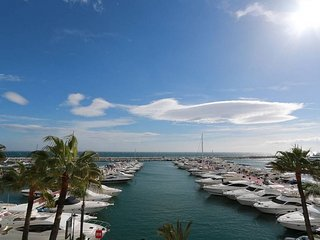 First Line Penthouse in Puerto Banus Marbella, Puerto Banús