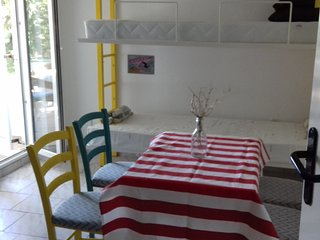 Chic, fully equipped apartment -sea view/ Closest house to party beach Zrce / G4