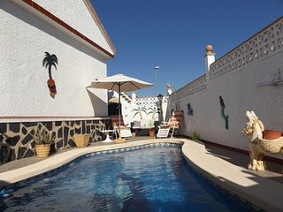 Exceptional 2 bedroom villa sleeps 4,pool. A sector.Camposol Mazarron Murcia.
