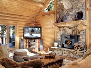 PRIVATE LOG CABIN ESTATE-15 - Luxury, fully stocked!