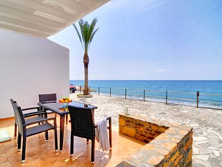 Myrtos Mare Suites - Sea Front Studio