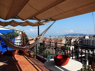 Gràcia - Parc Güell Penthouse with views from Mountain to shining Sea