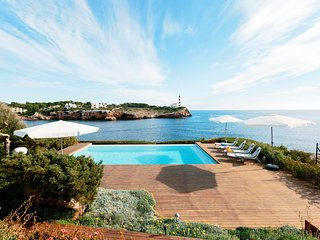 Sea Front Luxurious Villa Portocolom Mallorca