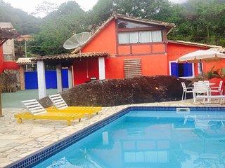 Ilhabela Hostel suites casal, familiar e coletivas com piscina pertinho da praia