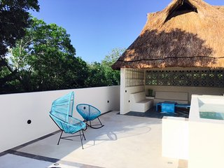 Modern Mexican Villa close to the beach, Cancún