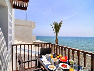 Myrtos Mare Suites - Sea Front Maisonette