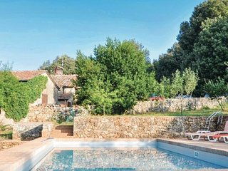 Entire Tuscan Farm Private Fenced Pool Free WiFI Pizza Oven near Siena 10P, Sovicille