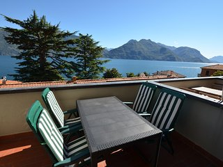 Apartment Cipresso 37 with Stunning Lake View, 6 Persons, 2 Bedrooms