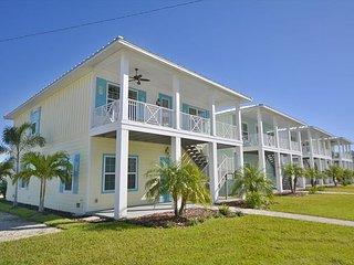 PRIVATE POOL!  KEY WEST BEAUTY! 3 BR 2 BA 4 GA  close to John's!