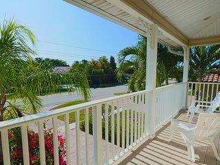 Beautiful Florida Style Home W/pool&spa