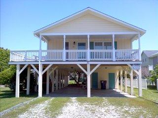 20 Driftwood St., Ocean Isle Beach