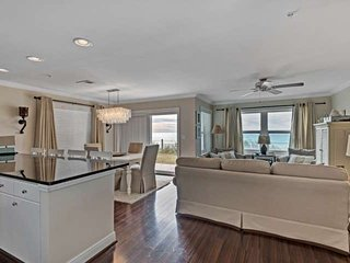 Beach Front Condo with gorgeous Gulf Views!  Sleeps 10. FREE Wifi AND Free Fun P