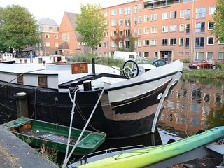 Wonderful Typical Houseboat (Marja) 2BR 80m2