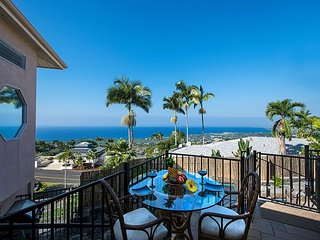 Inviting remodeled 4 bed, 4 bath home with expansive Ocean views, Pool & Spa, Kailua-Kona