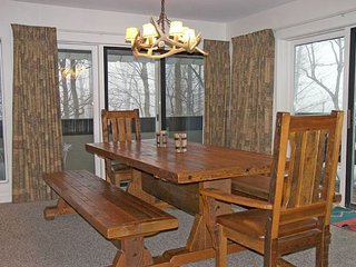 K126A- Managed by Loon Reservation Service - NH Meals & Rooms Lic# 056365