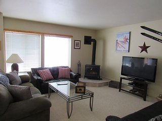Beautifully furnished Aspen Village Condo with Wireless Internet, McCall