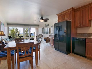 LUXURY  OCEAN VIEW FOR LESS! BEST IN THE AREA, Kihei