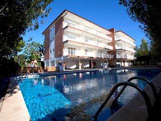 Confortables apartamentos con amplia terraza y piscina. Ref: AMAPOLA