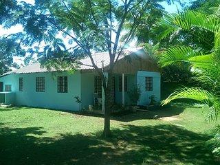 Cozy Country Beach House, Cabrera