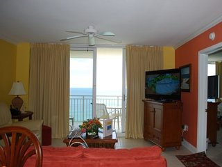 Beachfront luxury condo with all the comforts of home;  free lounge beach chairs