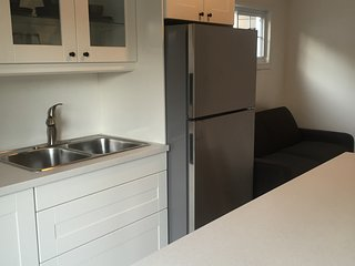 Beautiful Newly Renovated Beach Cottage, Port Stanley