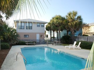 5BR/4BA,PRIVATE POOL, 2MIN WALK TO BEACH, $275 OFF 3/11 - 4/21 WEEKLY RENT!!, Destin